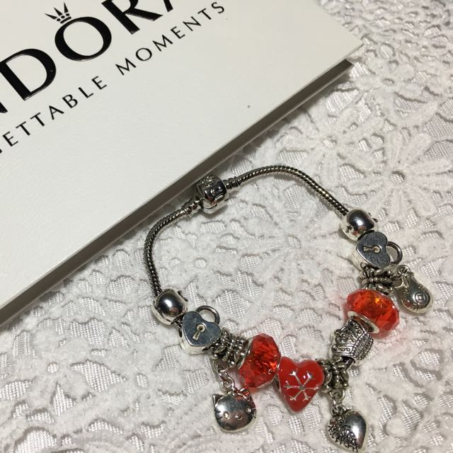 Pandora Hello Kitty Red Love Bracelet And Charms