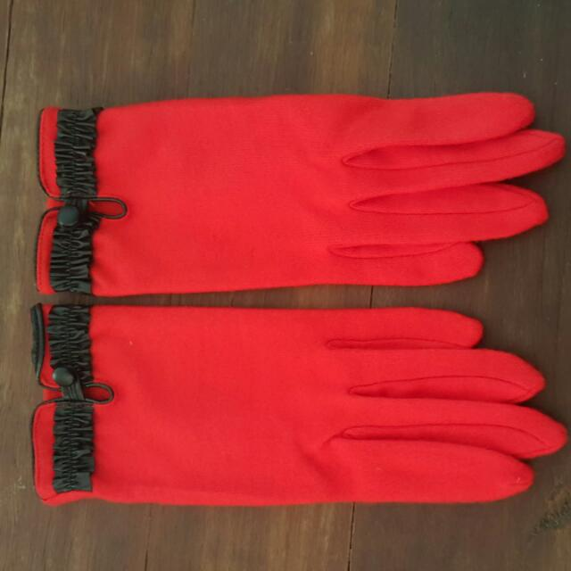 Red Felt / Leather Trim Gloves