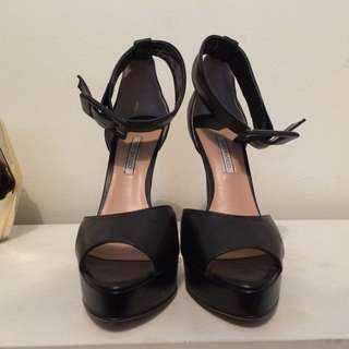 Size 7.5 Tony Bianco Heels