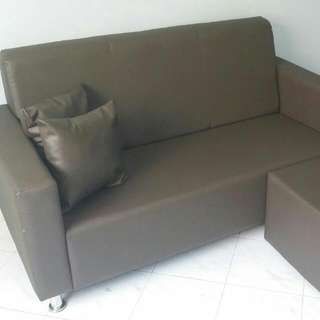 Brandnew 3 Seater Sofa To Let Go