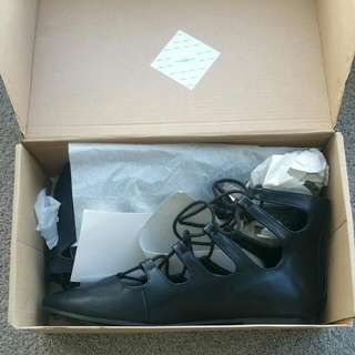Boohoo Black Pointed Laceups