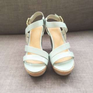 MAKE AN OFFER: NEW Charles & Keith Pumps in Mint