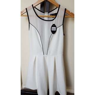 Size 8 - New Caroline Morgan White Chiffon Dress