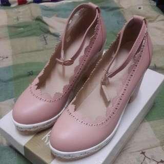 [全新含運不議價]甜美淑女複古鏤空花邊圓頭厚底高跟鞋 (粉)