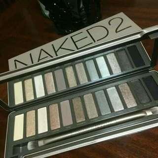 Naked 12色裸妝大地色眼影盤