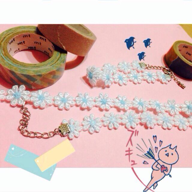 藍色小花頸鏈