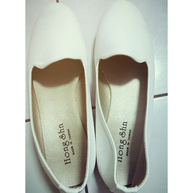 女孩必備小白鞋