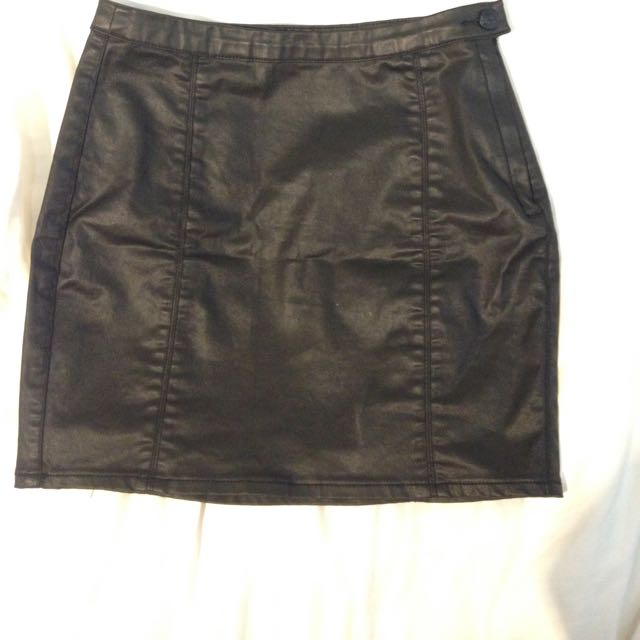 Lee Black Mini Skirt