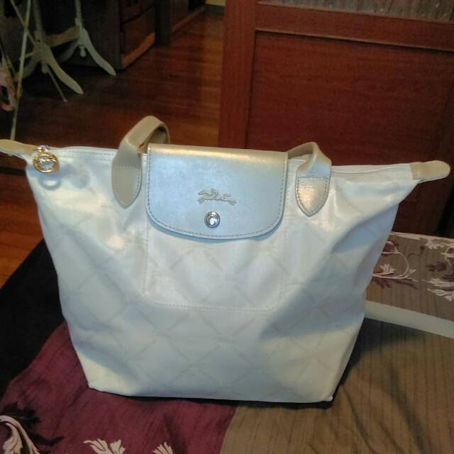 Longchamp珍珠白60周年復刻版長背帶水餃包(中)肩背包