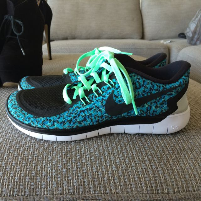 Size (US 8) Nike Free Run 5.0