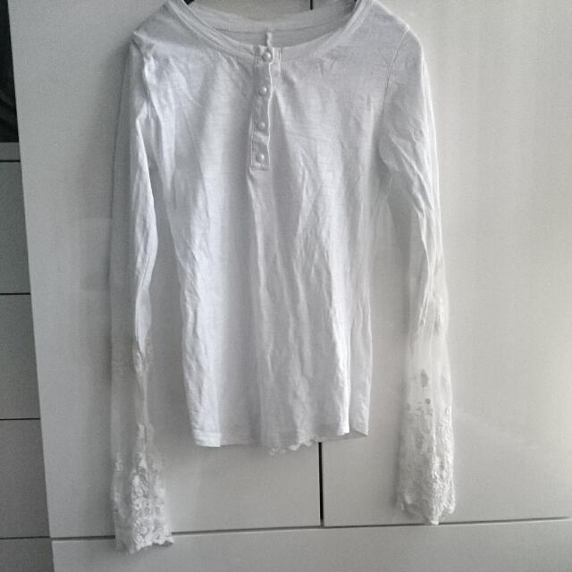 Thin Top With Lace Detail