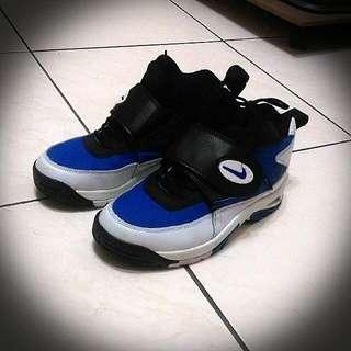 🚚 正版Nike籃球鞋24號(二手)