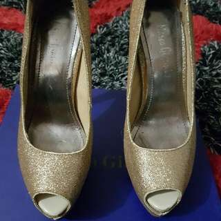 Marco Gianni Sparkly Gold Heels