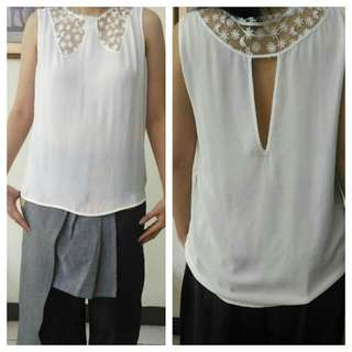 Preloved Pretty White Top