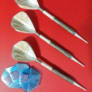 Darts Set (White ICE Harrows)