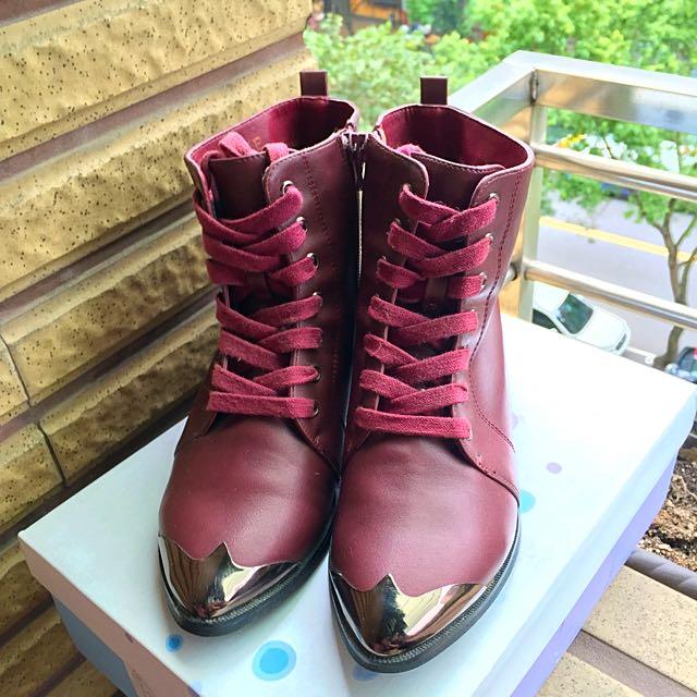 達芙尼酒紅色短靴