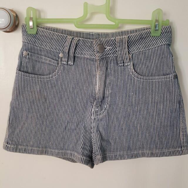 Glasson High Waists Shorts SIZE 6