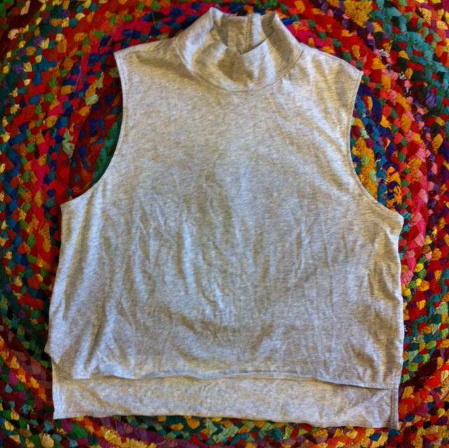 Lee Grey Turtle Neck Zip Crop Top Size 8 As New