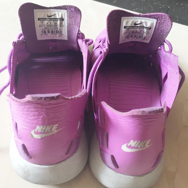 Nike 紫色編織鞋