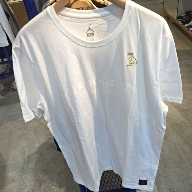 e3ceb0b53579 Nike Air Jordan OVO Drake Owl White Gold Mens T-Shirt