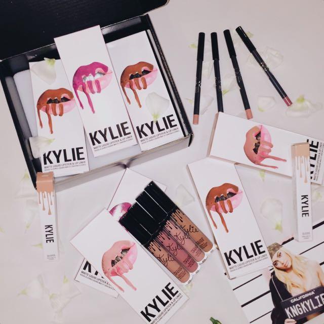 PO Kylie Lip Kits (Matte) By Kylie Cosmetics (Kylie Jenner)