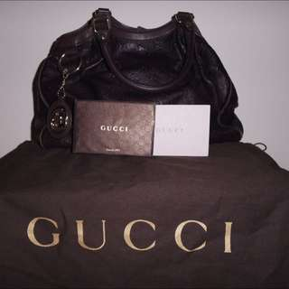 Authentique Gucci Sukey Leather Bag
