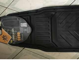 2 rubber car mats