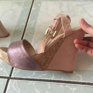 Novo sandals size 5