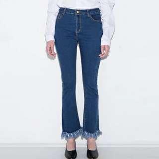 [PO H320] Distressed Boot Cut Cropped Denim Jeans
