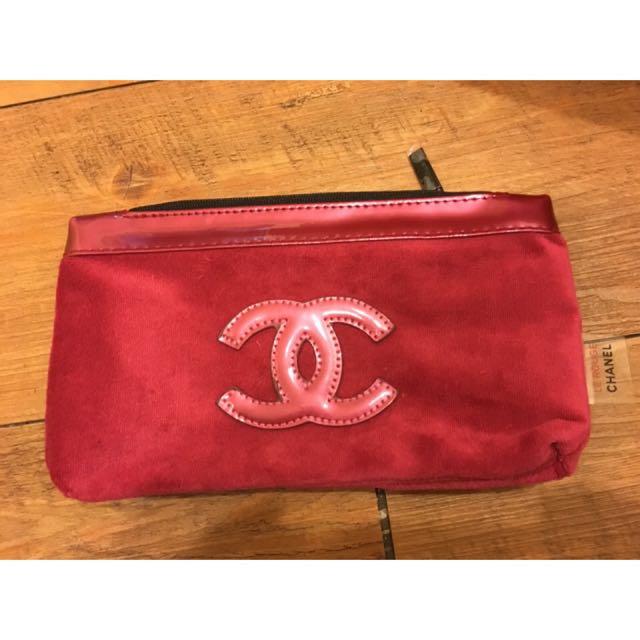 CHANEL 桃紅絨布化妝包