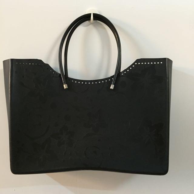 GLO 黑色包 二手 300元