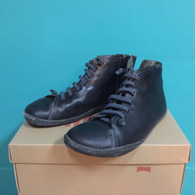 PAMPER基本款二手洞洞鞋