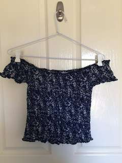 Off the shoulders Crop, Floral Pattern Sizes 8-10