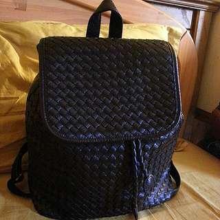 全新皮編織後背包,原價3800,再降價1000
