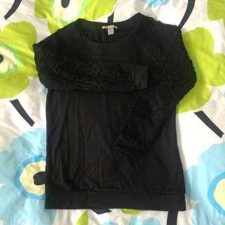 黑色麻繩造型袖薄上衣