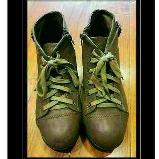 Air Space 軍綠色綁帶厚底靴