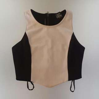One Way Black And White Crop Top Size 8