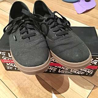 Authentic Vans Black (gumsole)