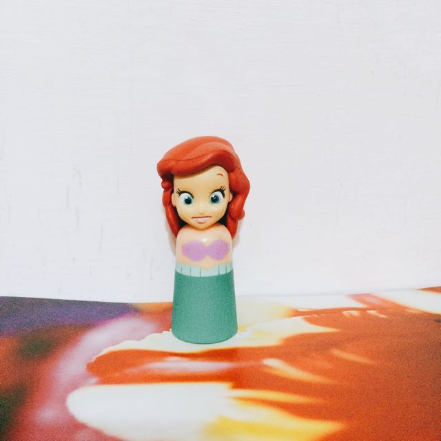 迪士尼小美人魚轉蛋手電筒