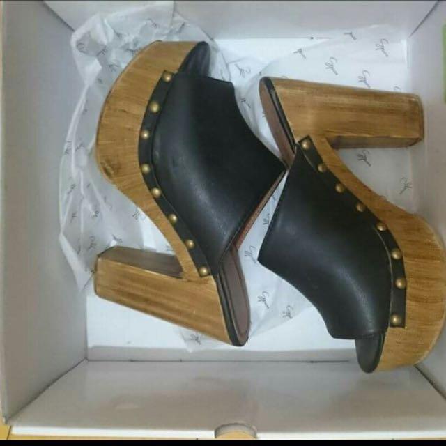 Clog Heels Size 6