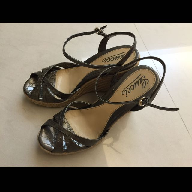 Gucci楔型涼鞋(降價)