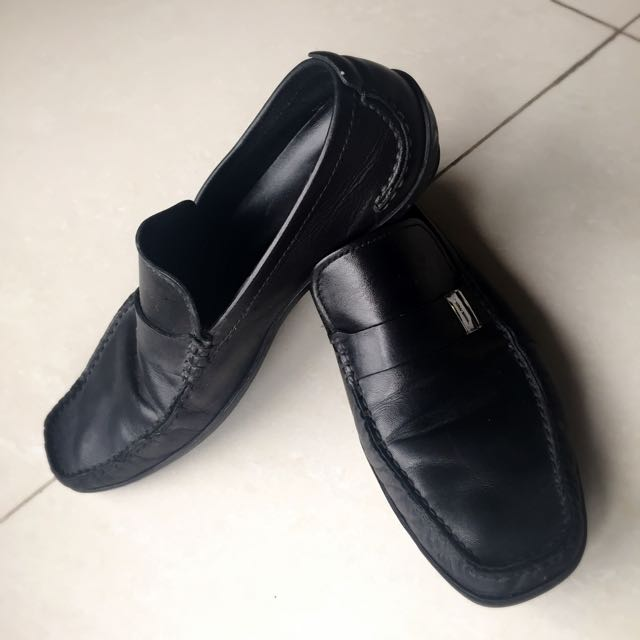HUGO BOSS真皮黑色皮鞋 (美國尺寸8.5號)
