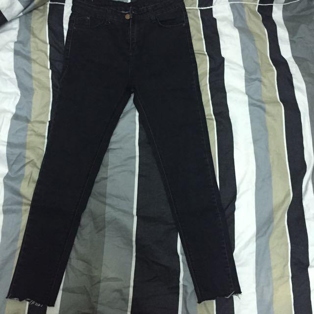 顯瘦黑色牛仔褲L