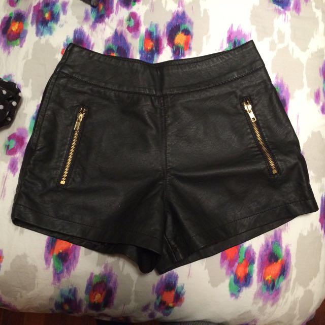 Size 6/7 Dotti Leather Shorts