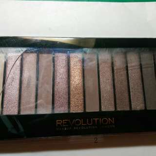 Makeup Revolution Iconic3眼影盤
