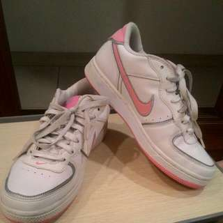 正版Nike粉色板鞋