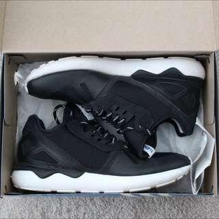Adidas Tubular Runner Black .