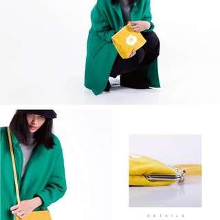 YIZI-一只一隻~黃色荷包蛋刺繡口金包側背包法國絨 複古搞怪文藝垮包單肩包~~第一代第二代