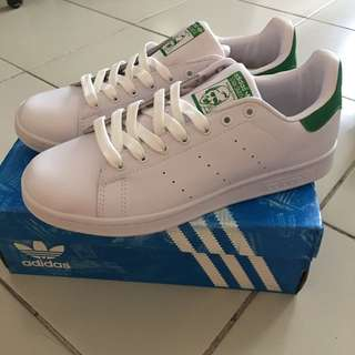 BNIB Adidas 'Stan Smith'