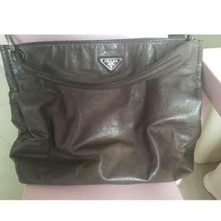 快賣價Prada Handbag